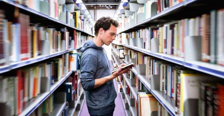 Universidade inglesa inicia concessão de bolsas