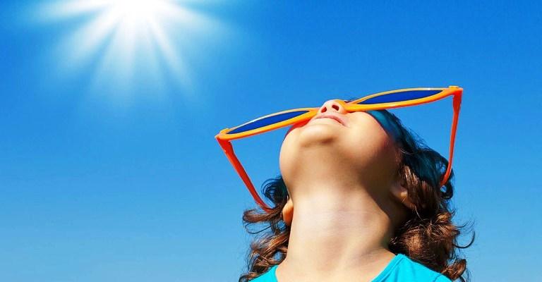 Raios UV são mais prejudiciais em crianças