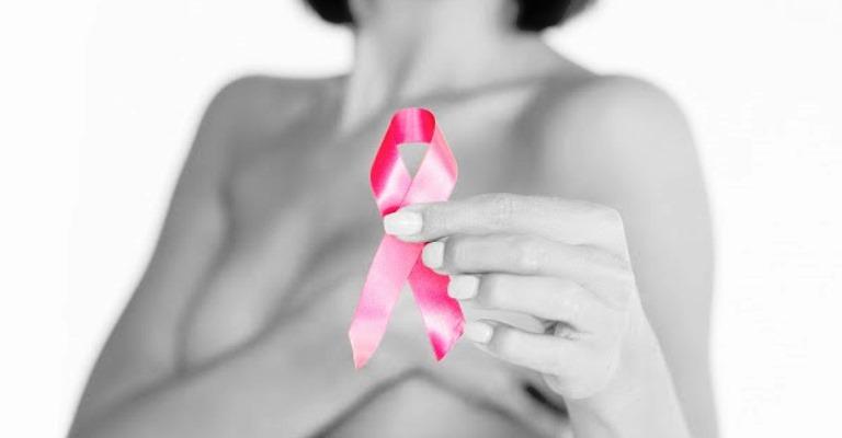 Outubro Rosa: mês de conscientização sobre os riscos do câncer de mama