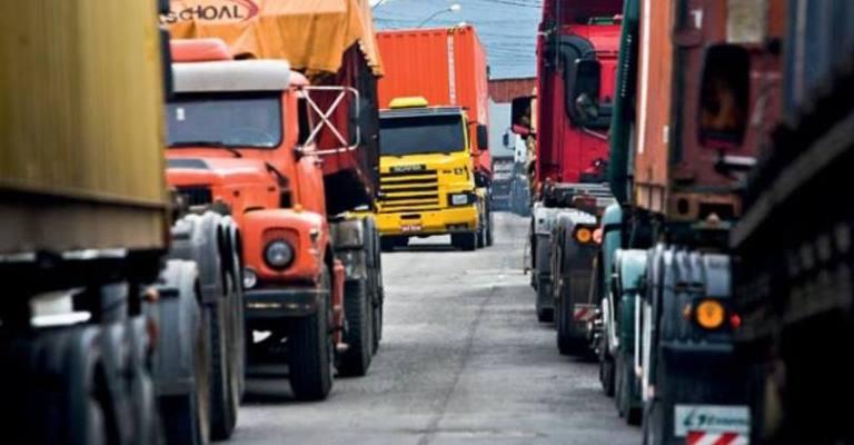 Caixa oferece crédito a caminhoneiros e juros podem ser de 2,29%