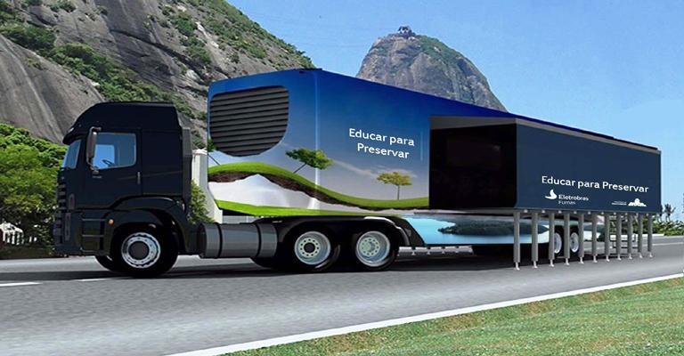 FURNAS inaugura unidade móvel de educação