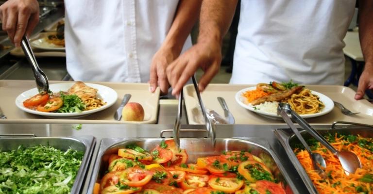 Por que optar por oferecer vale-alimentação aos funcionários?