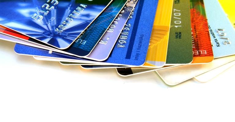 Juros do cartão de crédito rotativo  batem recorde