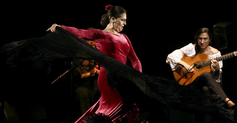 Show em BH propõe mergulho na cultura espanhola