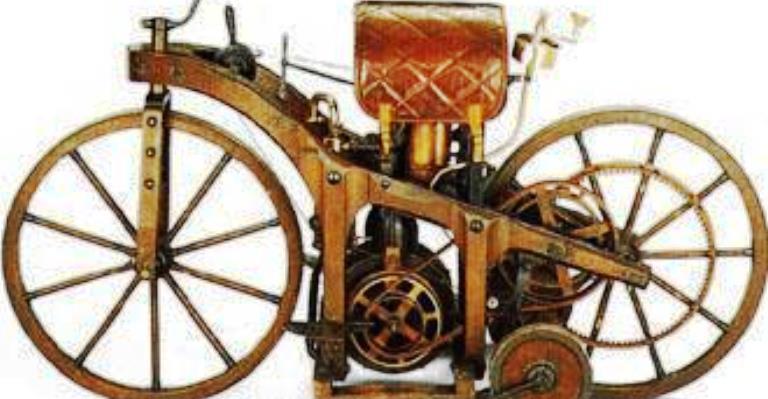 1885: Daimler patenteia a motocicleta
