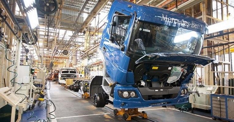 Mercado de caminhões cresce 49,5% até agosto