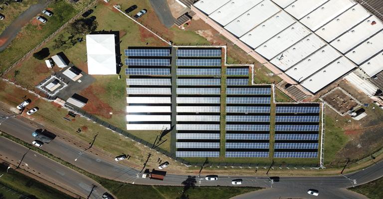 Cemig inaugura usina fotovoltaica com sistema de armazenamento