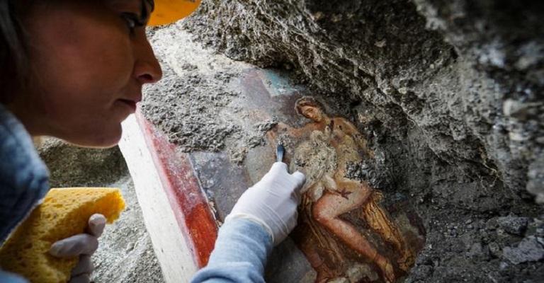 Descoberto afresco inédito  em Pompeia