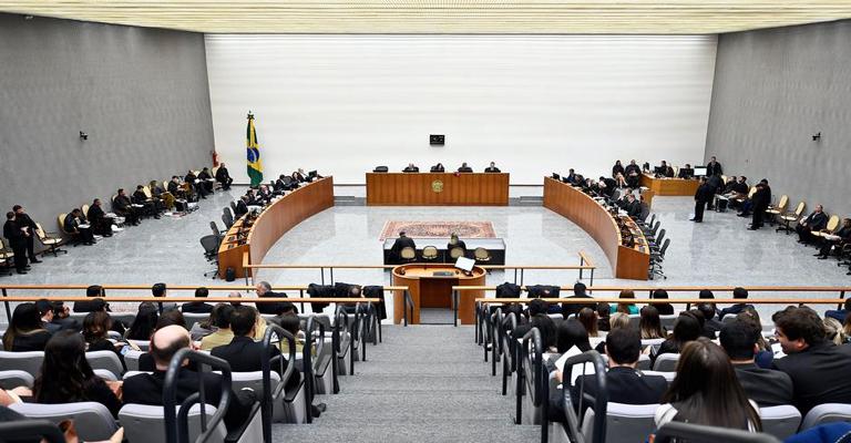STJ restringe foro privilegiado de governadores
