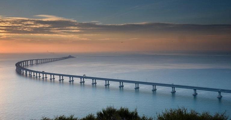 China inaugura maior ponte marítima do mundo
