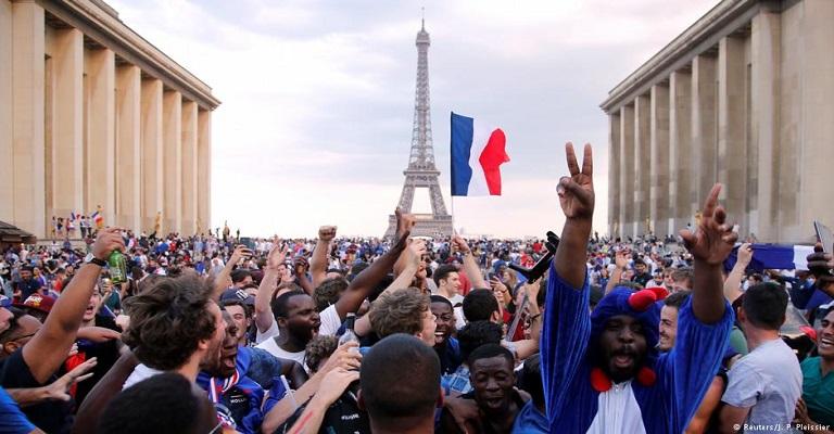 Racismo ainda ofusca o futebol