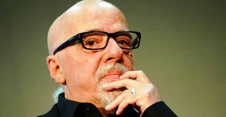 O que explica o fenômeno Paulo Coelho?