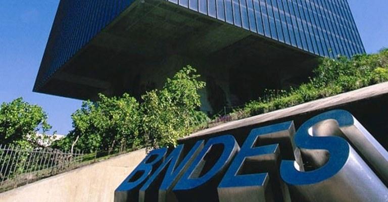 PF investiga fraudes em empréstimos do BNDES à JBS