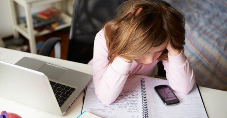 Um em cada três jovens já sofreu bullying na internet, diz Unicef