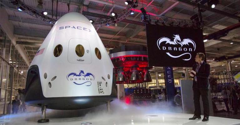 SpaceX anuncia viagem turística ao redor da Lua