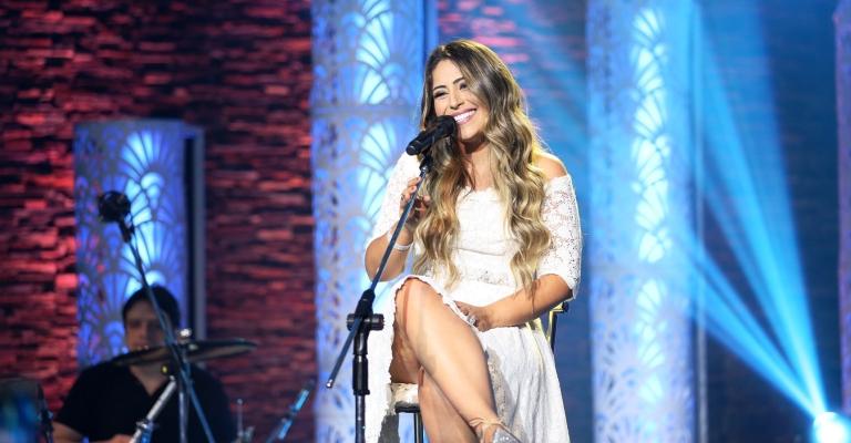 Fernanda Costa faz show no Rio no dia 25 de novembro