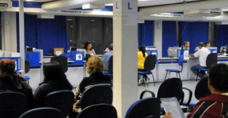 INSS começa a pagar a primeira parcela do 13º dos aposentados