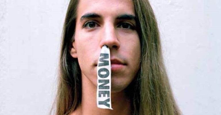 As memórias do vocalista do Red Hot Chili Peppers
