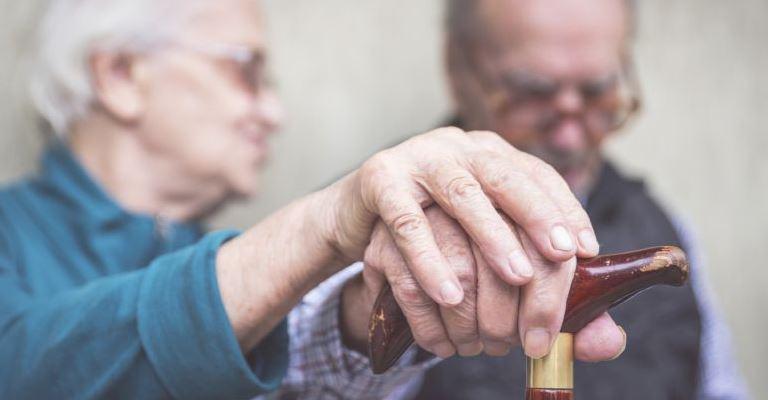 Como interagir com pessoas com Alzheimer