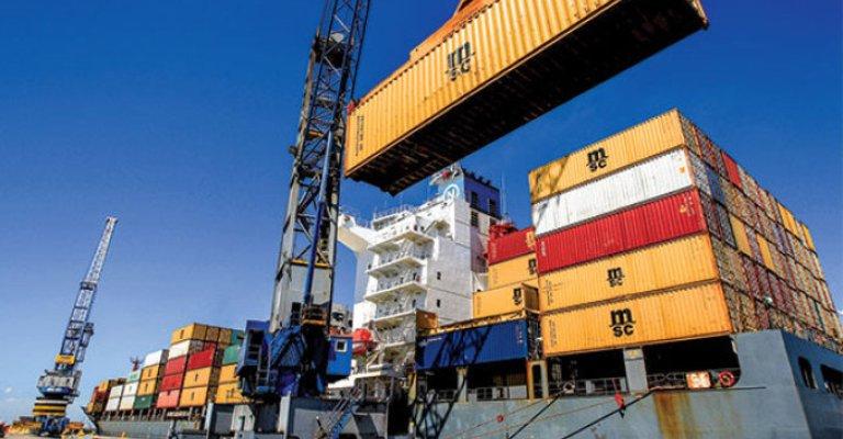 Balança comercial acumula superávit de US$ 5,2 bi