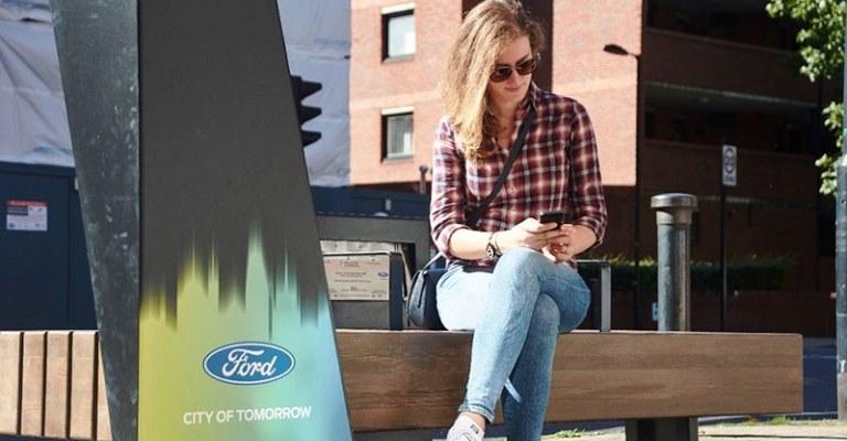 Ford instala bancos com wi-fi e carregador de celular
