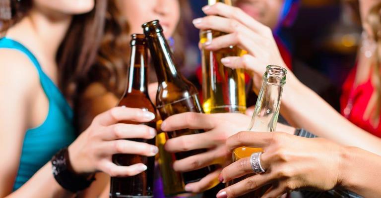 Consumo de bebidas alcoólicas cresce entre as mulheres