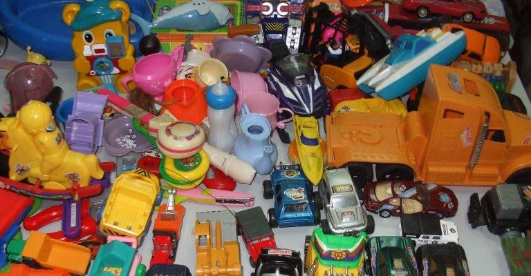 Cuidados na hora de presentear as crianças com brinquedos