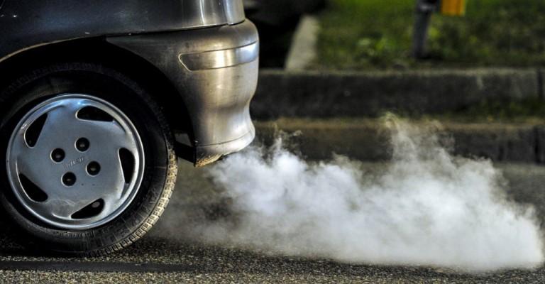Reino Unido proibirá venda de novos carros a gasolina e diesel a partir de 2035