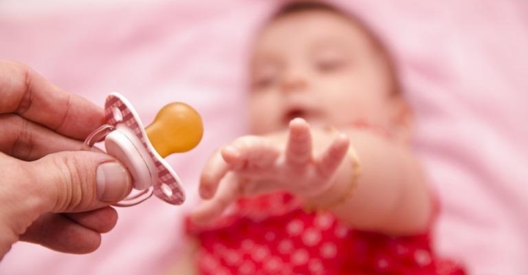 Como e quando deve-se interromper a chupeta dos filhos