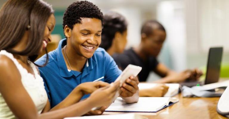 Colégio em BH utiliza tecnologia em sala de aula