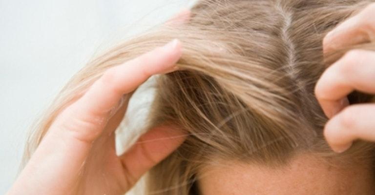 Veja como tratar o couro cabeludo oleoso