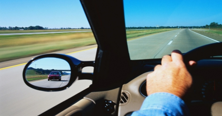 Dispositivo evita que motoristas alcoolizados dirijam