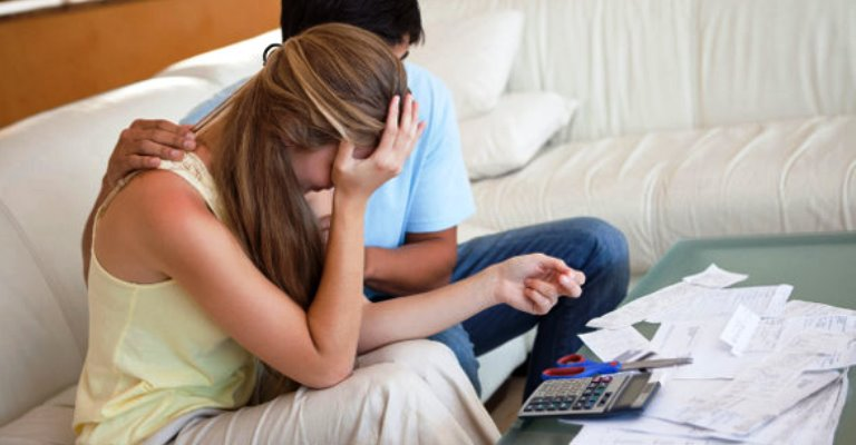 Organize as finanças do casal e evite brigas