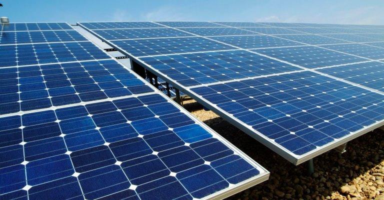 Minas inaugura 1ª usina fotovoltaica criada por escolas