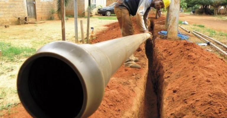 Metade dos lares brasileiros passa a contar com serviço de esgoto
