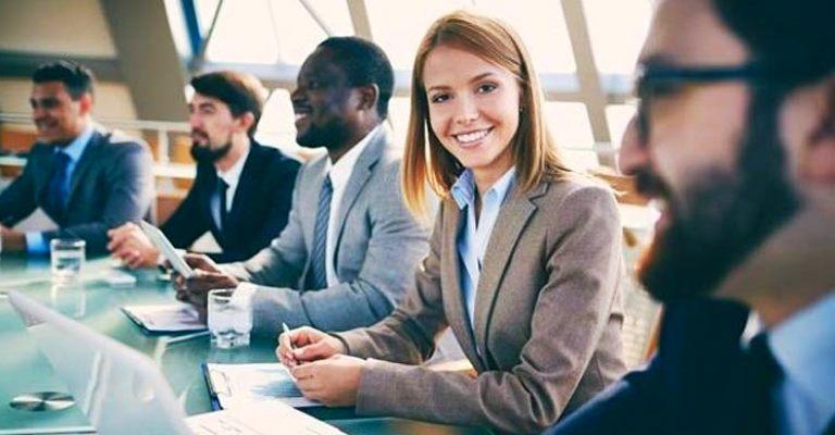 Empresas oferecem vagas para estágio e trainee