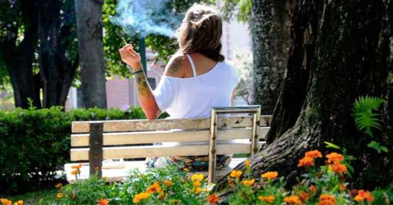 Projeto pode proibir fumo em parques, ginásios e estádios