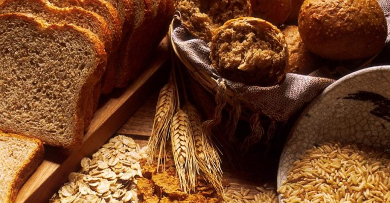 Os benefícios da alimentação com mantimentos integrais