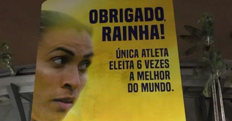 Jogadora Marta ganha painel gigante no Maracanã