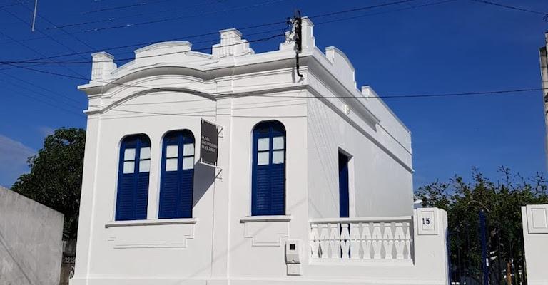 Museu das Cadeiras Brasileiras é inaugurado em Belmonte