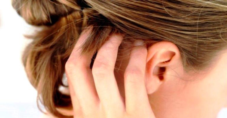 Como evitar o acúmulo de produtos no couro cabeludo