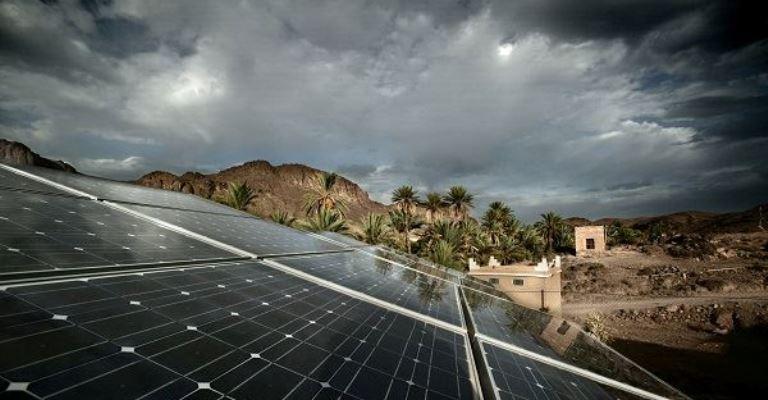 Novos painéis solares funcionam mesmo com chuva