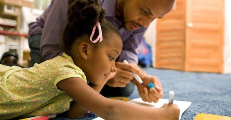 Educar é um ato de humanizar a si mesmo e o outro