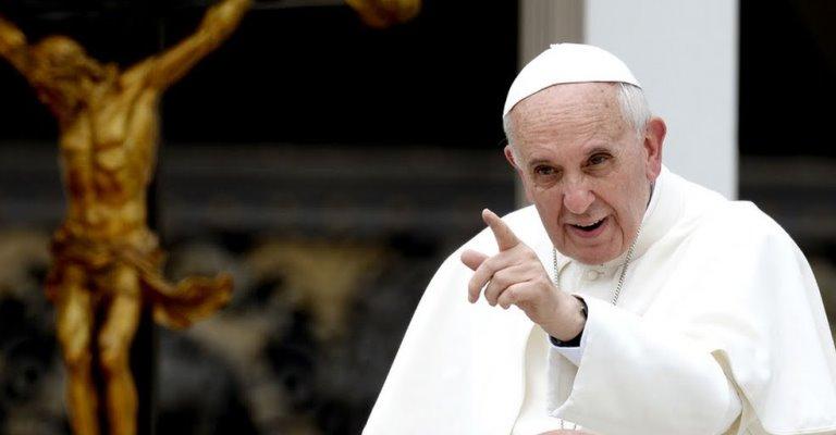 Papa Francisco pede tolerância zero para a pedofilia