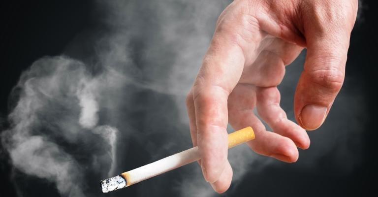 Brasil reduz em 42% número de fumantes passivos