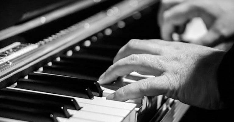Teatro Sesiminas recebe pianista francês