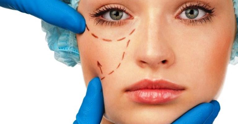 Por que as pessoas fazem uma cirurgia plástica?