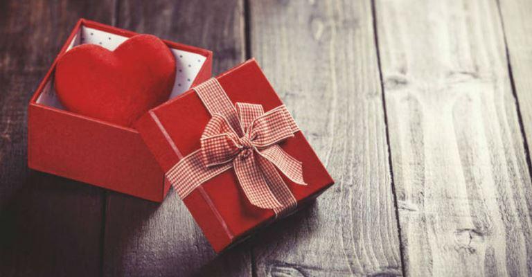 Seis em cada dez brasileiros devem ir às compras no Dia dos Namorados