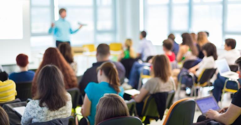 Governo de Minas nomeia mais de mil novos professores