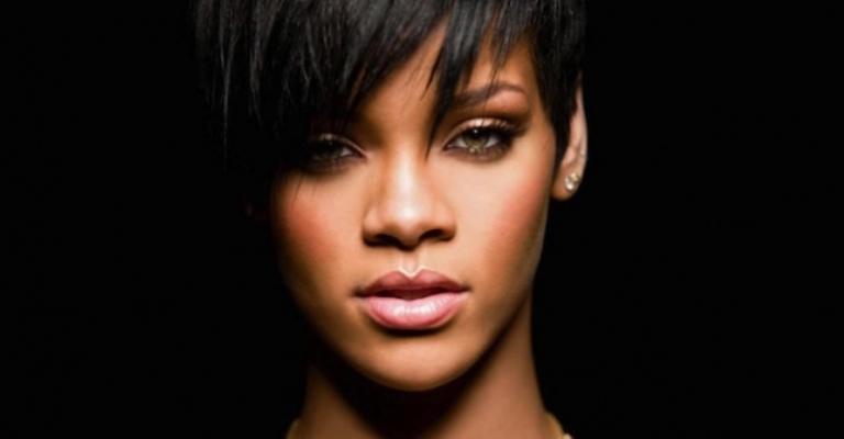 Rihanna está filmando documentário sobre sua vida